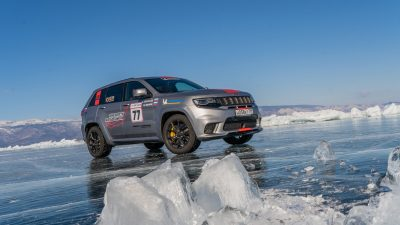 Jeep'ten buz üzerinde bir rekor