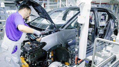Volkswagen akü üreticisi Guoxuan'ın % 20 hissesini satın alacak