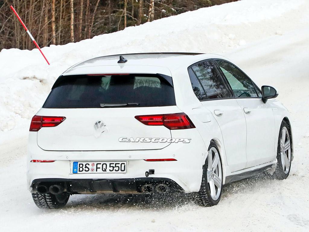 Bu görsel boş bir alt niteliğe sahip; dosya adı 2020-VW-Golf-R-spy-shots-13.jpg