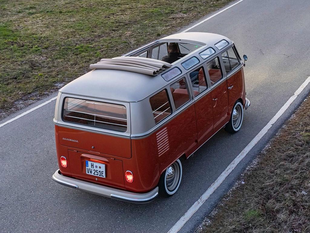 Bu görsel boş bir alt niteliğe sahip; dosya adı VW-e-Bulli-Concept-16.jpg