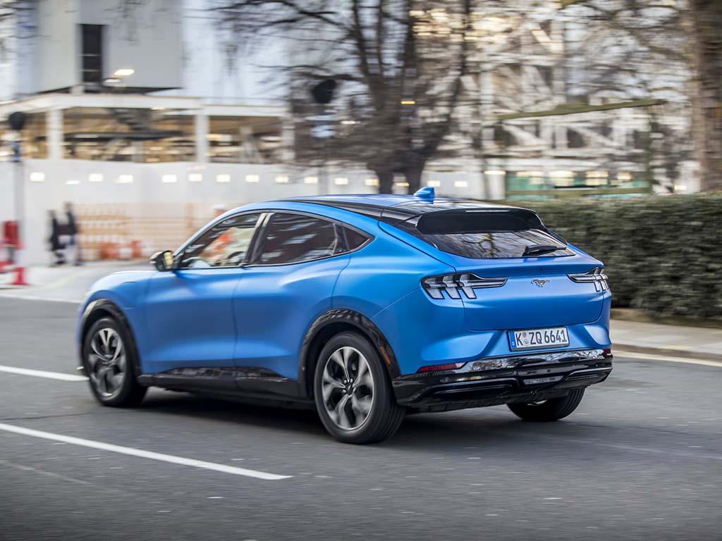 Bu görsel boş bir alt niteliğe sahip; dosya adı Ford-Mustang-Mach-E-1-1.jpg