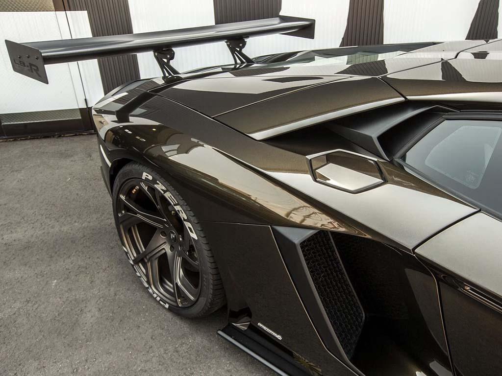 Bu görsel boş bir alt niteliğe sahip; dosya adı Liberty-Walk-Lamborghini-Aventador-3.jpg