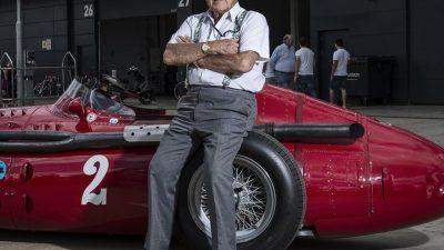 Maserati efsane pilot Sir Stirling Moss'u MC20 prototipiyle anıyor!
