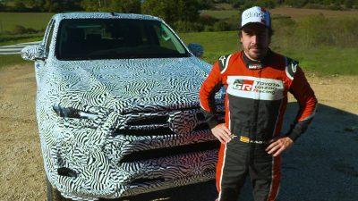 Toyota'nın yeni Hilux modelini Fernando Alonso test etti