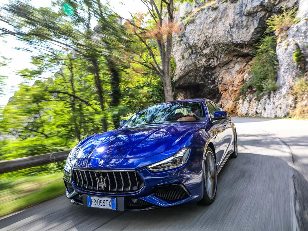 Bu görsel boş bir alt niteliğe sahip; dosya adı Maserati-Ghibli-1.jpg