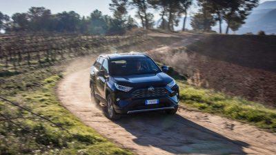 Toyota'nın efsane modelleri yılın ilk altı ayında zirvede