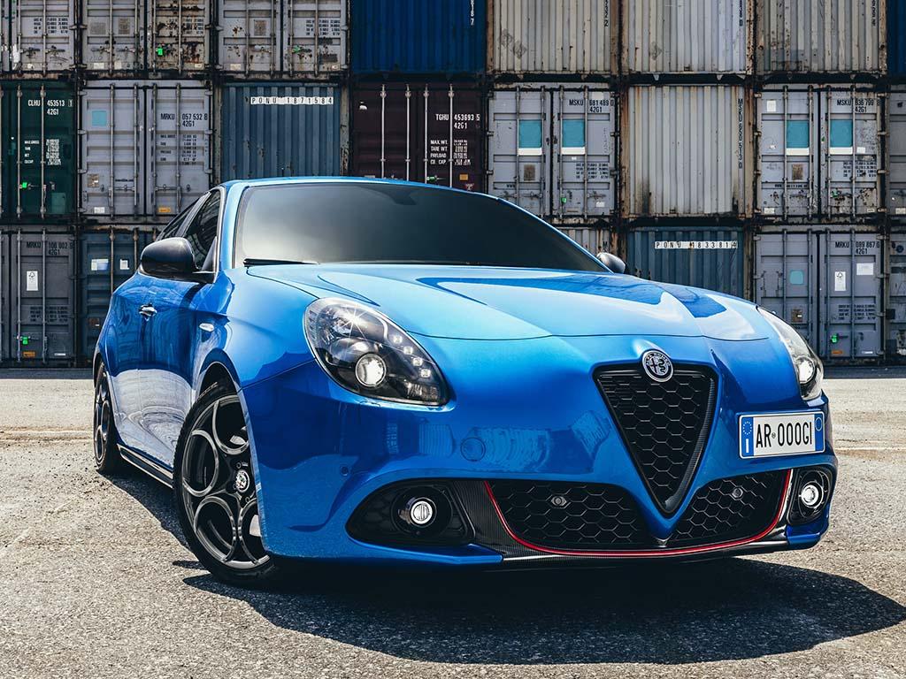 Bu görsel boş bir alt niteliğe sahip; dosya adı Alfa-Romeo-Giulietta-1.jpg