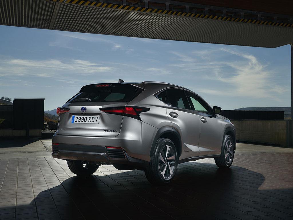 Bu görsel boş bir alt niteliğe sahip; dosya adı Lexus-NX-3.jpg