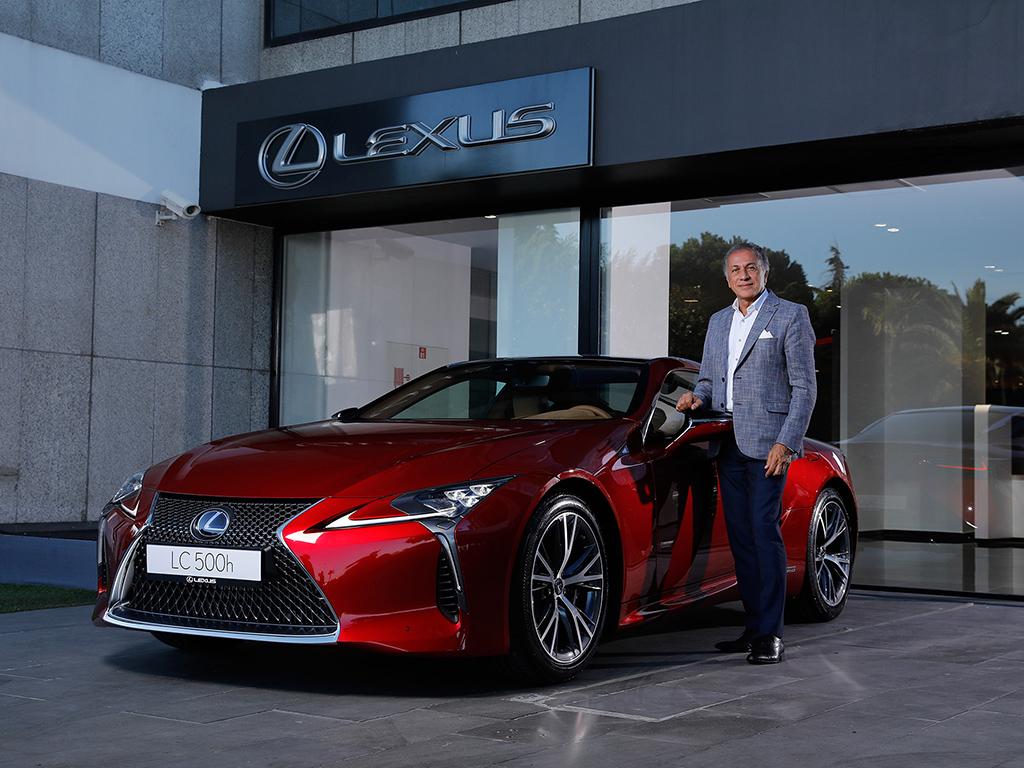 Bu görsel boş bir alt niteliğe sahip; dosya adı Lexus-Turkiye-Direktoru-Selim-Okutur-2.jpg