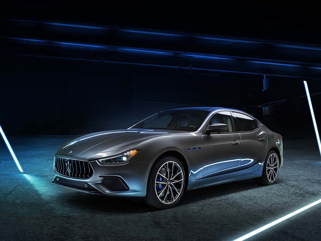 Bu görsel boş bir alt niteliğe sahip; dosya adı Maserati-Ghibli-Hybrid-1.jpg