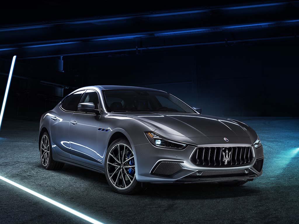 Bu görsel boş bir alt niteliğe sahip; dosya adı Maserati-Ghibli-Hybrid-2.jpg