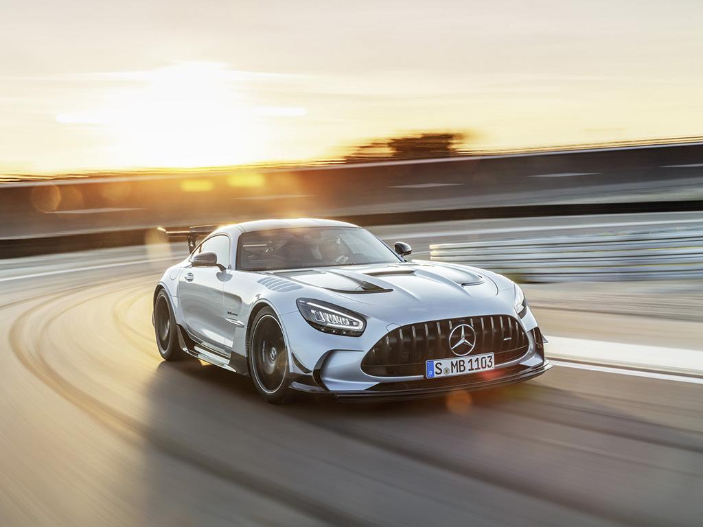 Bu görsel boş bir alt niteliğe sahip; dosya adı Mercedes-AMG-GT-Black-Series-1.jpg