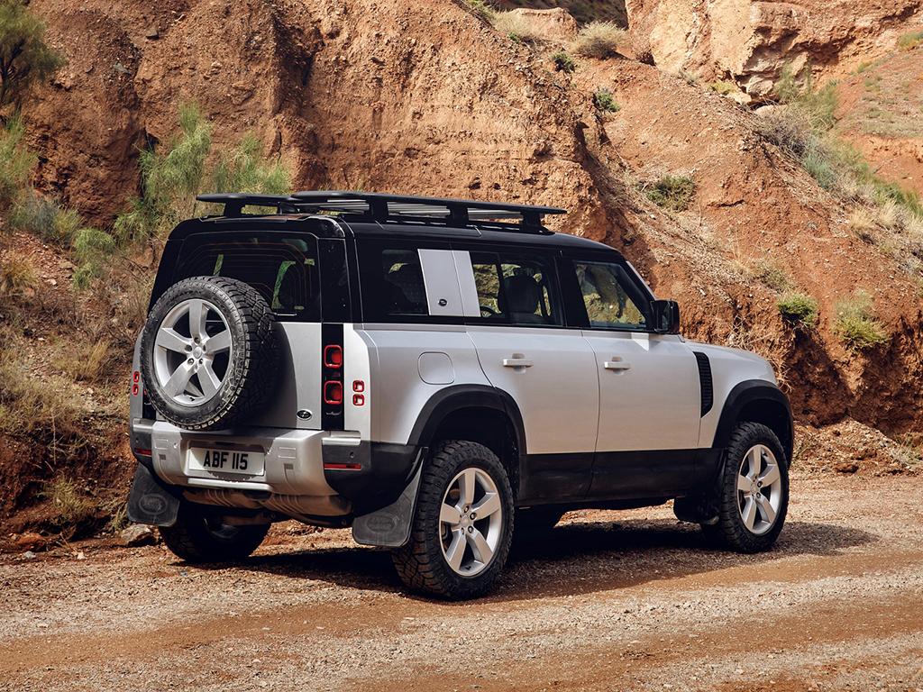 Bu görsel boş bir alt niteliğe sahip; dosya adı Yeni-Land-Rover-Defender-3.jpg