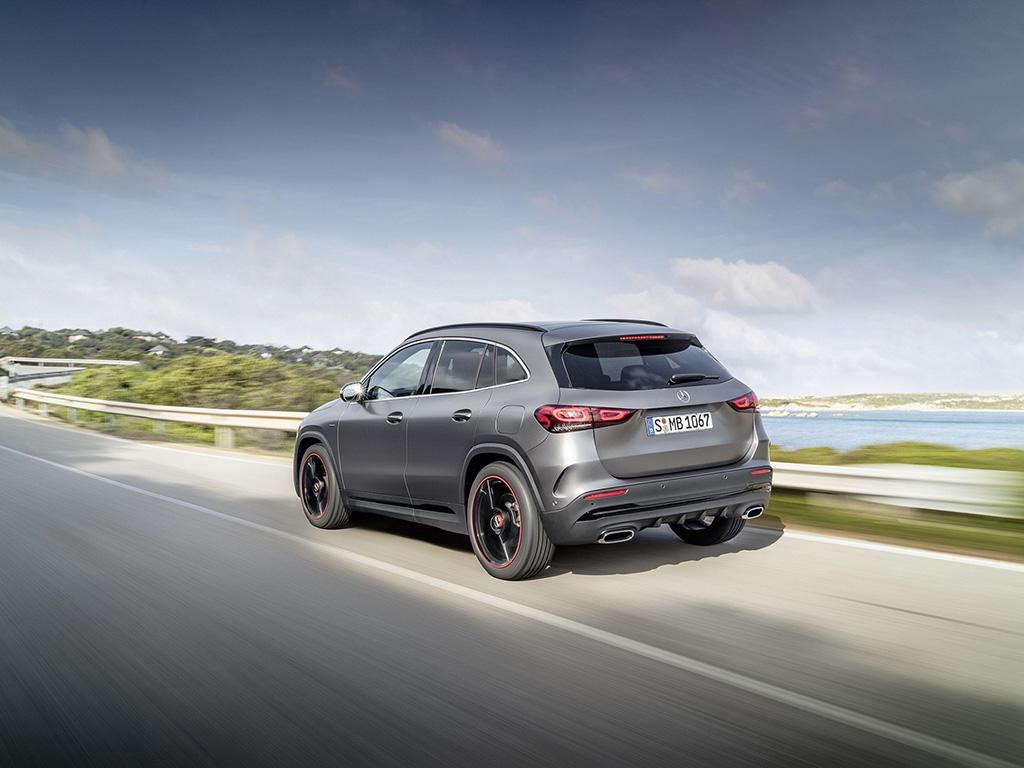 Bu görsel boş bir alt niteliğe sahip; dosya adı Yeni-Mercedes-Benz-GLA-2.jpg