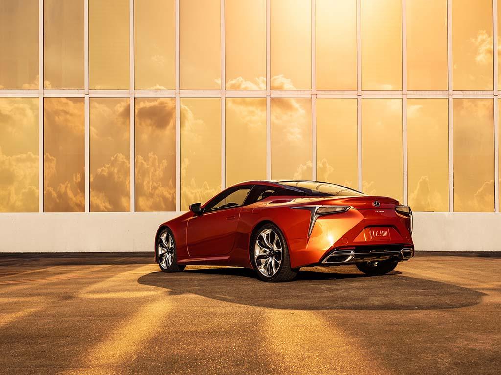 Bu görsel boş bir alt niteliğe sahip; dosya adı Lexus-LC-Blazing-Carnelian-2.jpg
