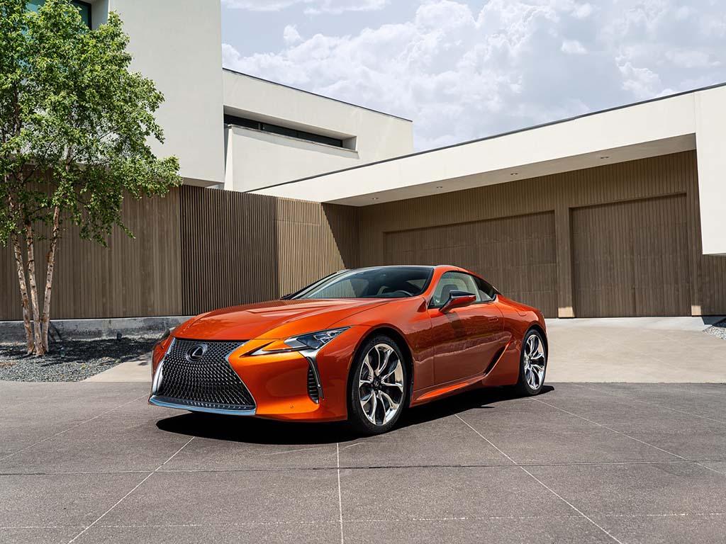 Bu görsel boş bir alt niteliğe sahip; dosya adı Lexus-LC-Blazing-Carnelian.jpg