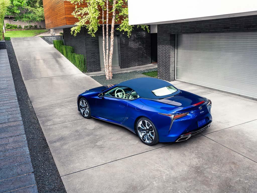 Bu görsel boş bir alt niteliğe sahip; dosya adı Lexus-LC-Convertible-Regatta-1.jpg