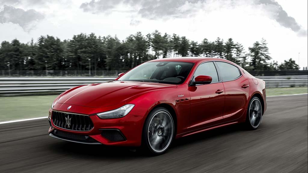 Bu görsel boş bir alt niteliğe sahip; dosya adı Maserati-Ghibli-Trofeo-1.jpg