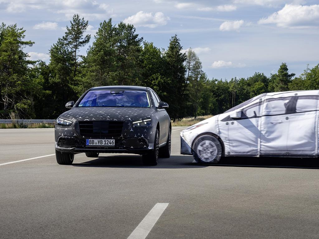 Bu görsel boş bir alt niteliğe sahip; dosya adı Mercedes-Benz-S-Serisi-3.jpg