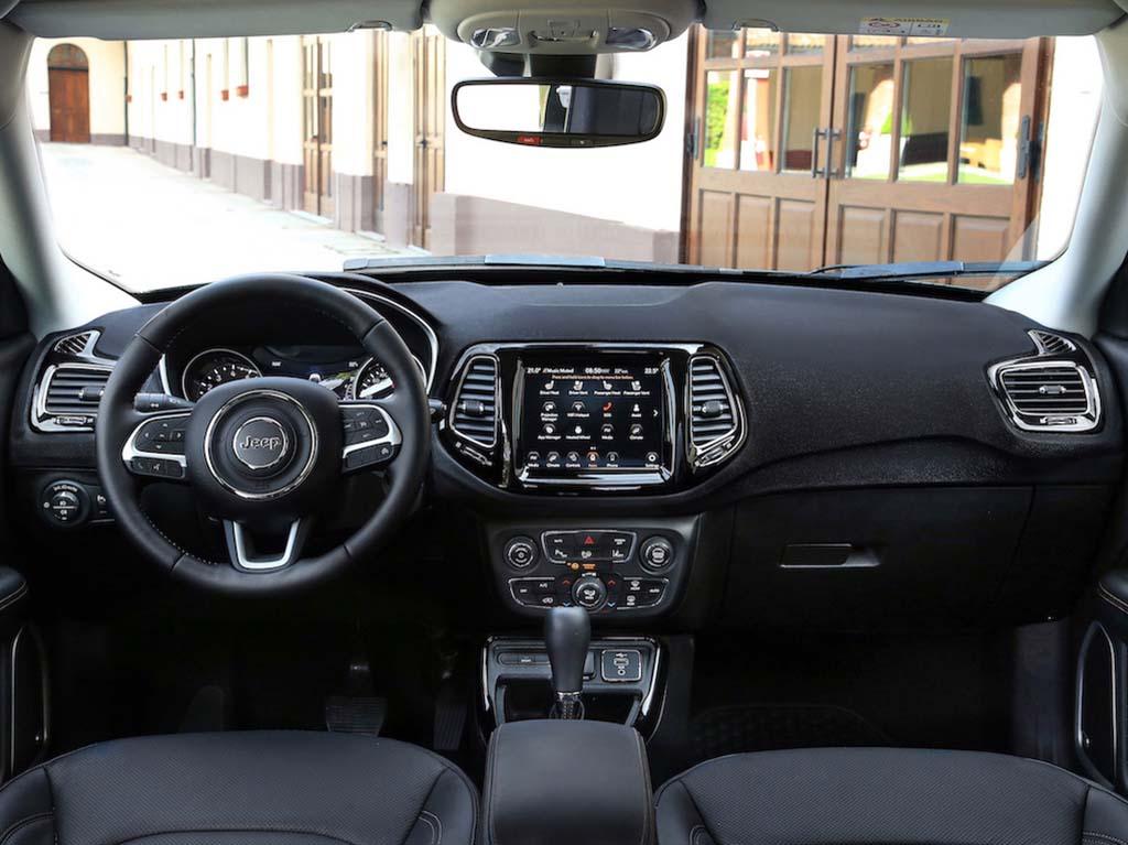 Bu görsel boş bir alt niteliğe sahip; dosya adı Yeni-Jeep-Compass-4.jpg