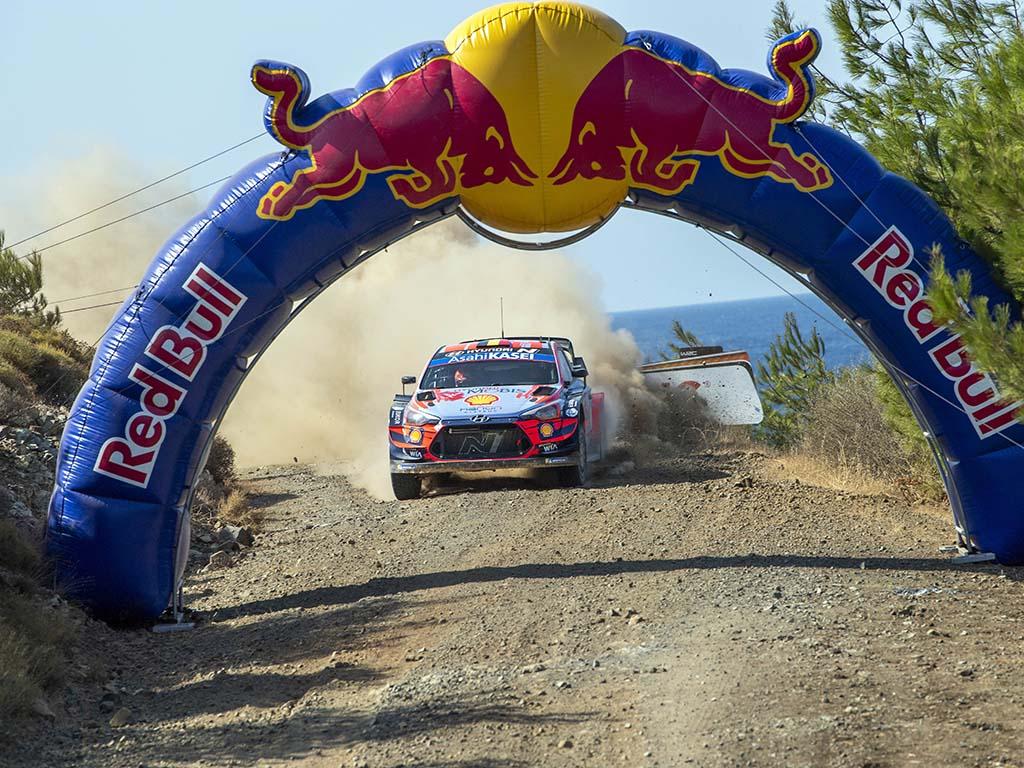 Bu görsel boş bir alt niteliğe sahip; dosya adı 1600600889_ThierryNeuvielle_WRC_TR2020_Day2.jpg