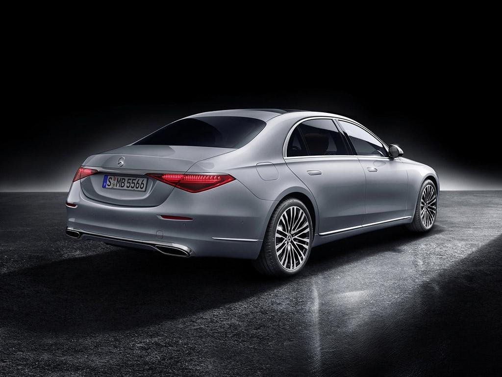Bu görsel boş bir alt niteliğe sahip; dosya adı 2021-Mercedes-Benz-S-Class-43.jpg