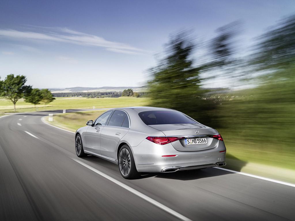 Bu görsel boş bir alt niteliğe sahip; dosya adı 2021-Mercedes-Benz-S-Class-5.jpg