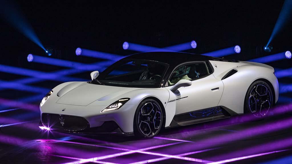 Bu görsel boş bir alt niteliğe sahip; dosya adı Maserati-MC20-2.jpg