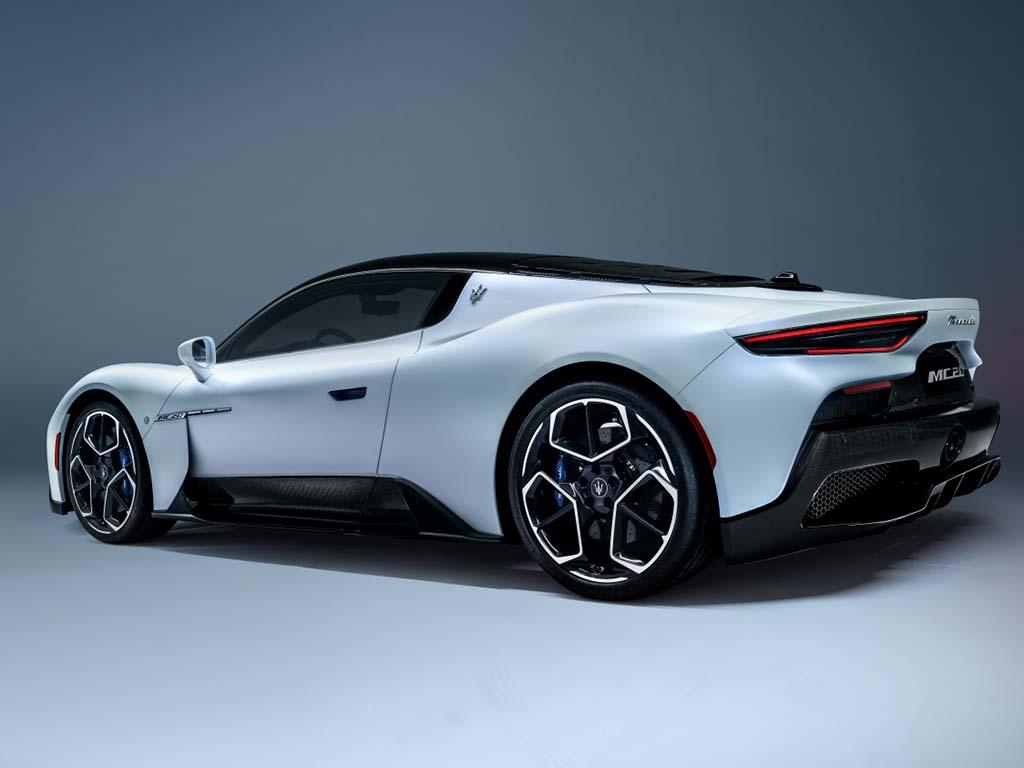 Bu görsel boş bir alt niteliğe sahip; dosya adı Maserati-MC20-4.jpg