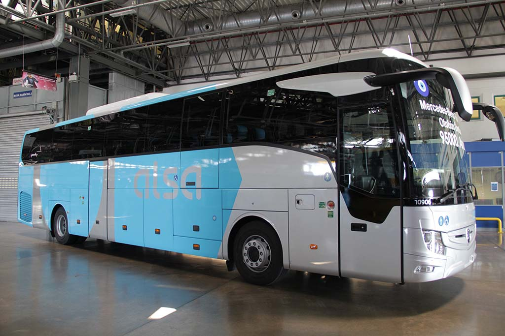 Bu görsel boş bir alt niteliğe sahip; dosya adı Mercedes-Benz-Turk_95000.-Otobus_v3.jpg