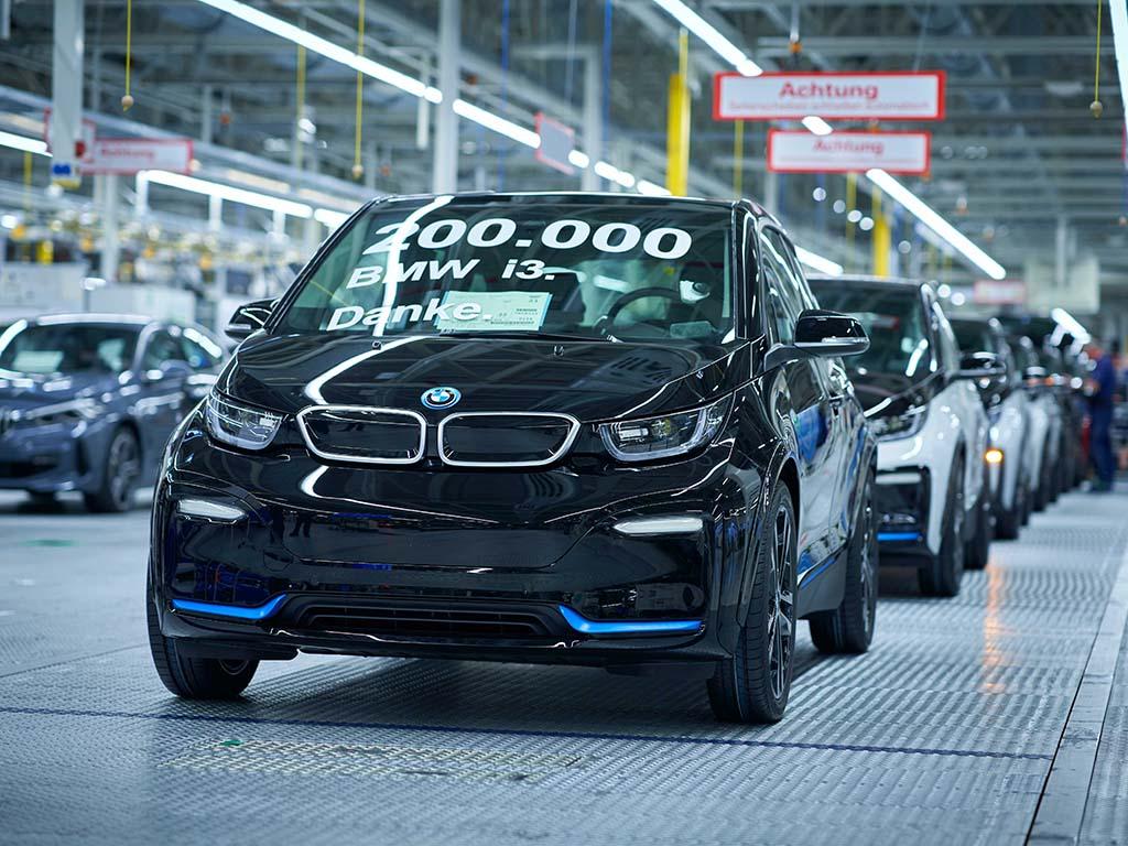 Bu görsel boş bir alt niteliğe sahip; dosya adı BMW-i3-Uretim.jpg
