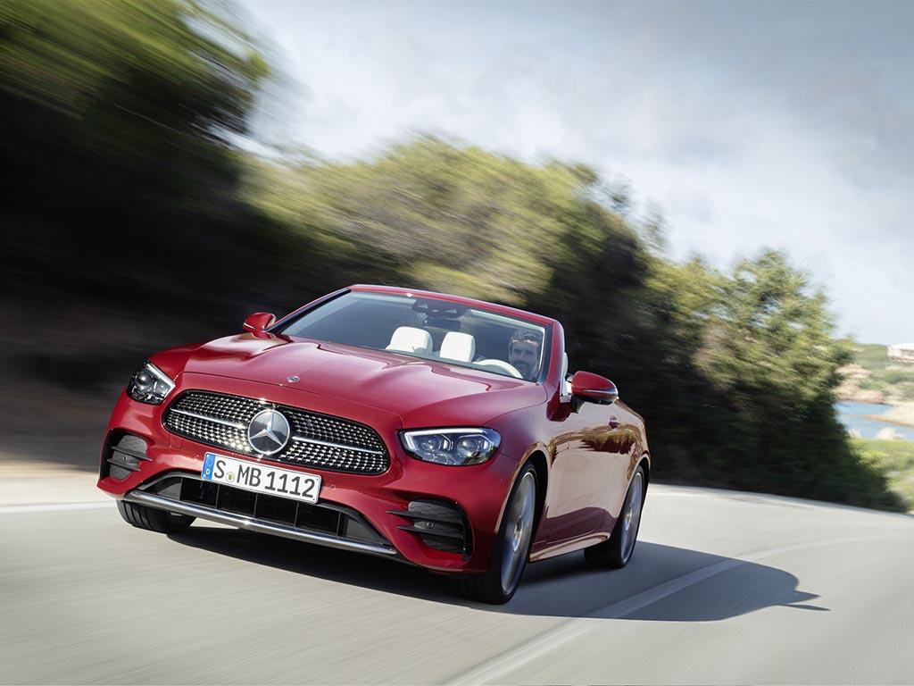 Bu görsel boş bir alt niteliğe sahip; dosya adı Mercedes-Benz-E-Serisi-Cabriolet-2.jpg