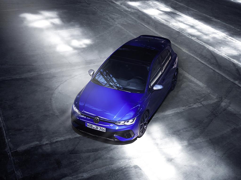 Bu görsel boş bir alt niteliğe sahip; dosya adı 2022-VW-Golf-R-2-1.jpg