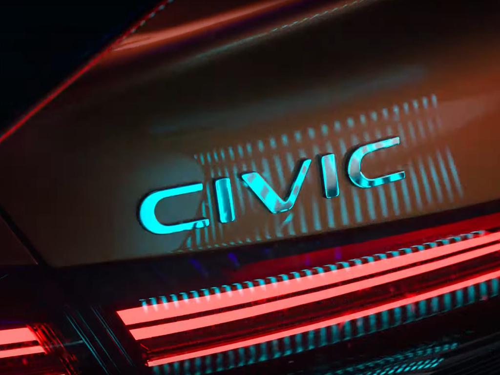 Bu görsel boş bir alt niteliğe sahip; dosya adı 2022-honda-civic-sedan-prototype-teaser-12.jpg