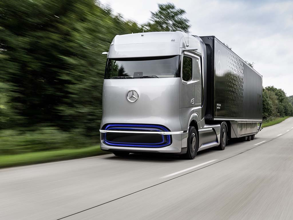 Bu görsel boş bir alt niteliğe sahip; dosya adı Mercedes-Benz-GenH2-Kamyon.jpg