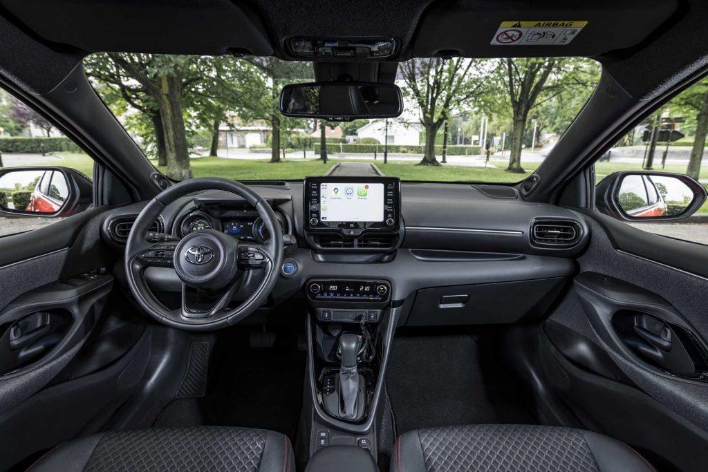 Bu görsel boş bir alt niteliğe sahip; dosya adı Yeni-Toyota-Yaris-10-1024x683.jpg