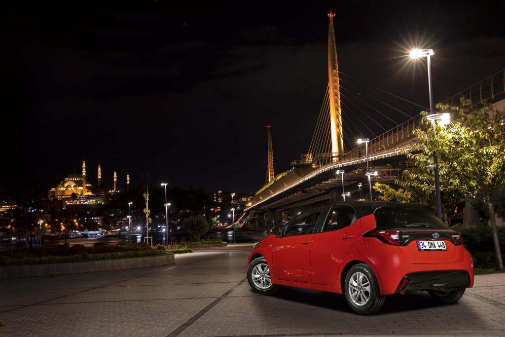 Bu görsel boş bir alt niteliğe sahip; dosya adı Yeni-Toyota-Yaris-5-1024x683.jpg