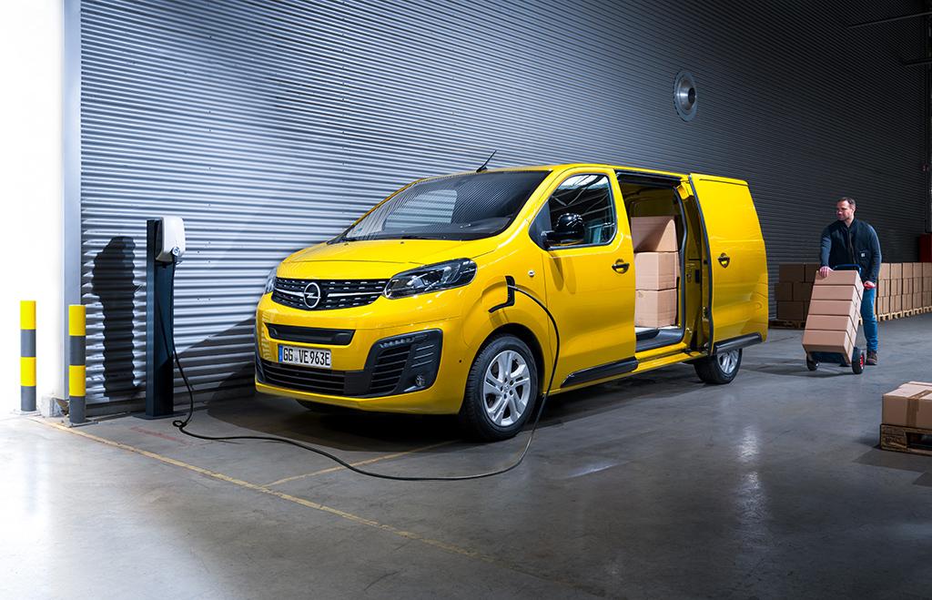 Bu görsel boş bir alt niteliğe sahip; dosya adı 05-Opel-Vivaro-511686.jpg