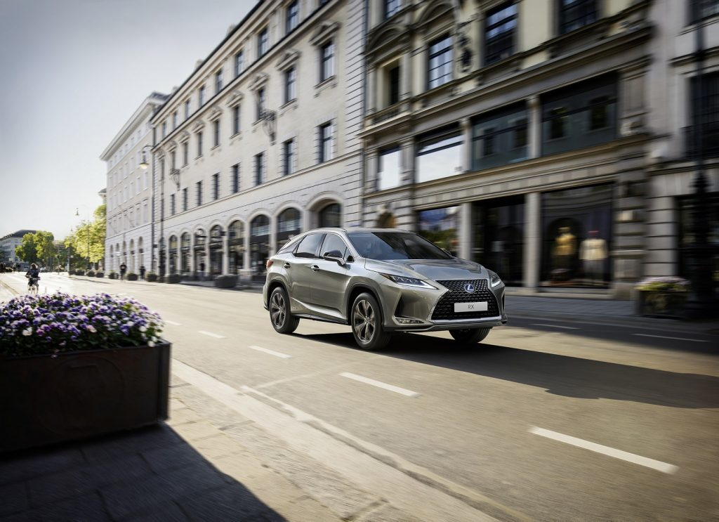 Bu görsel boş bir alt niteliğe sahip; dosya adı Lexus-RX-Black-Line-1-1024x743.jpg