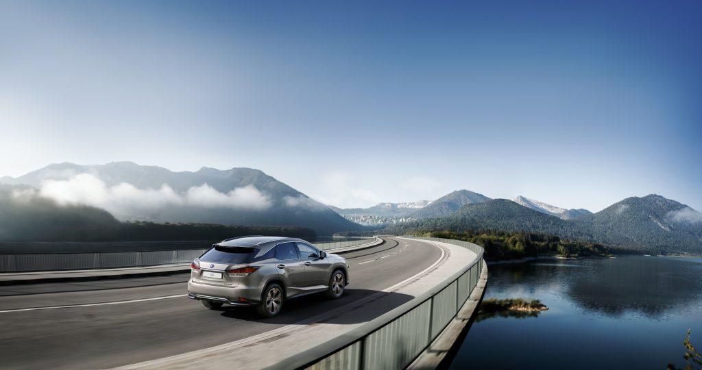 Bu görsel boş bir alt niteliğe sahip; dosya adı Lexus-RX-Black-Line-2-1024x541.jpg