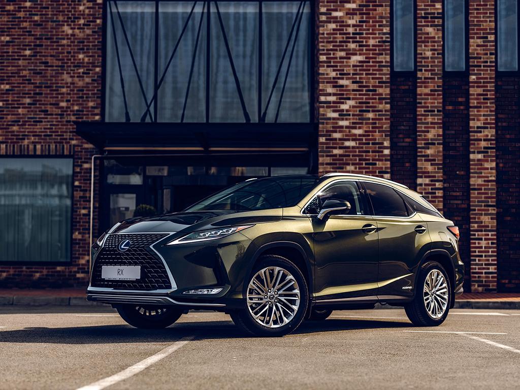 Bu görsel boş bir alt niteliğe sahip; dosya adı Lexus-RX.jpg