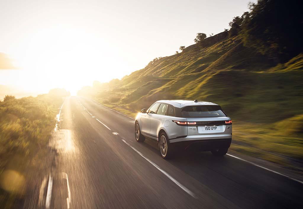 Bu görsel boş bir alt niteliğe sahip; dosya adı Range-Rover-Velar-2.jpg