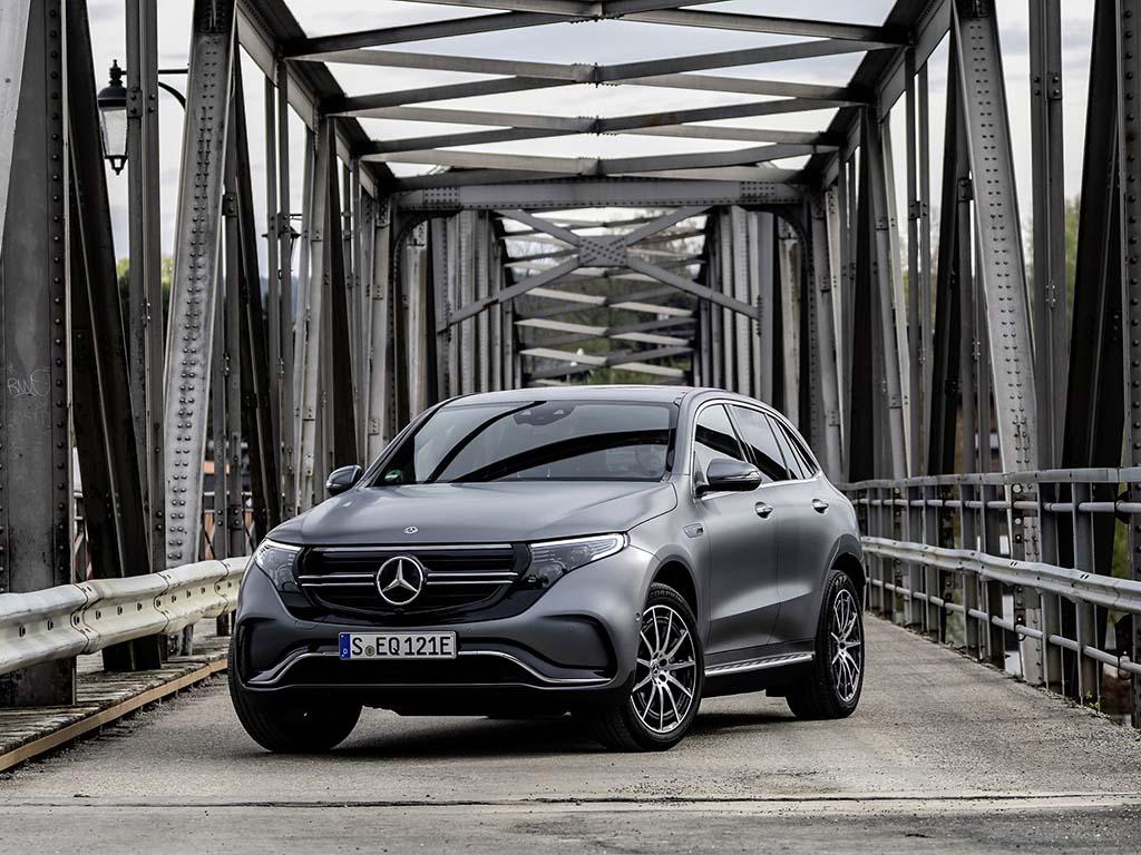 Bu görsel boş bir alt niteliğe sahip; dosya adı Yeni-Mercedes-Benz-EQC-2.jpg