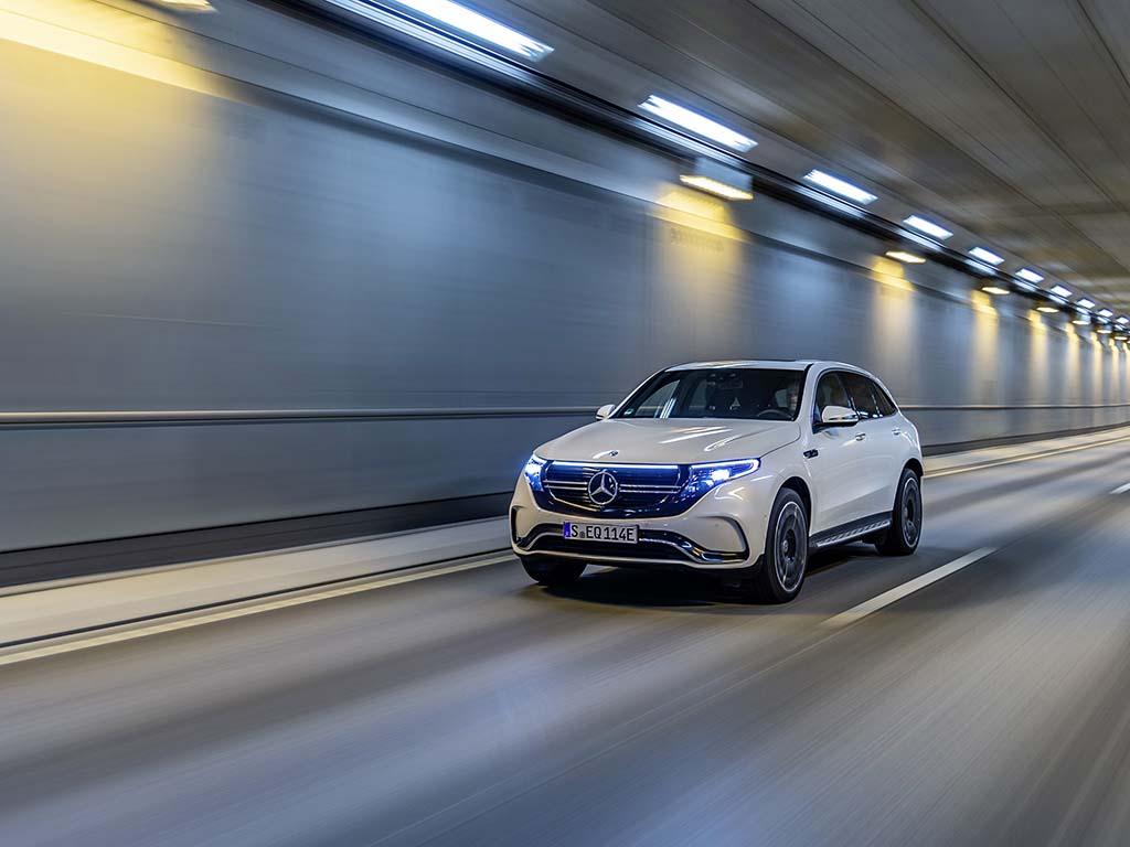 Bu görsel boş bir alt niteliğe sahip; dosya adı Yeni-Mercedes-Benz-EQC-4.jpg