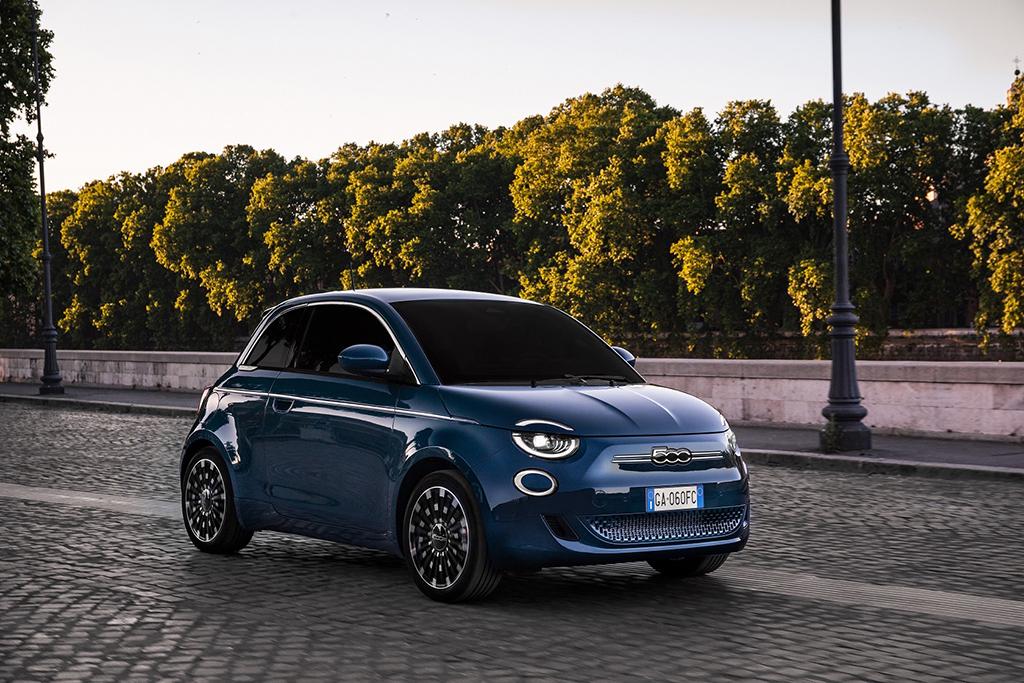 Bu görsel boş bir alt niteliğe sahip; dosya adı Fiat-500-3.jpg