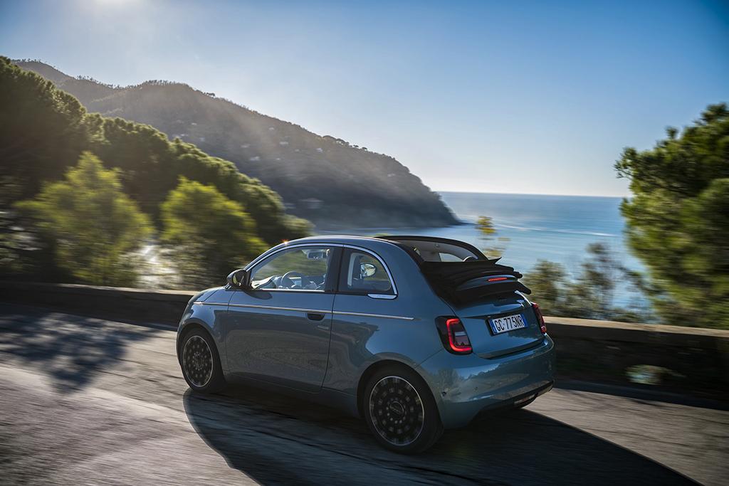 Bu görsel boş bir alt niteliğe sahip; dosya adı Fiat-500-4.jpg