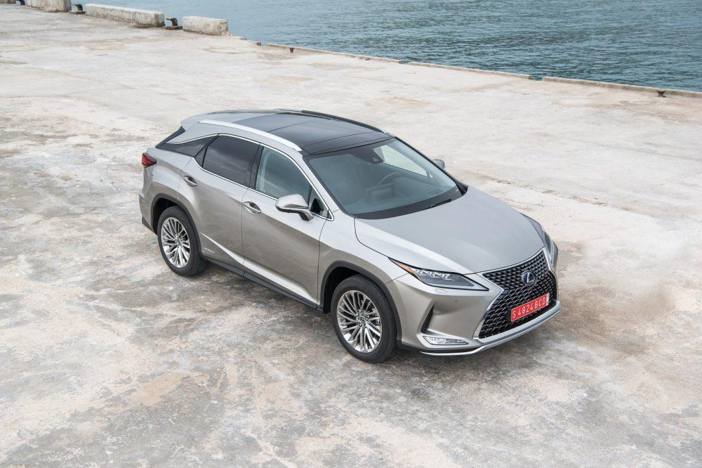 Bu görsel boş bir alt niteliğe sahip; dosya adı Lexus-RX-1-1024x683.jpg