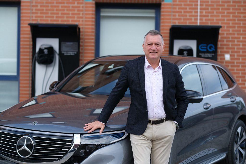 Bu görsel boş bir alt niteliğe sahip; dosya adı Mercedes-Benz-Otomobil-Grubu-Baskani-Sukru-Bekdikhan-ve-Yeni-EQC-1024x683.jpg