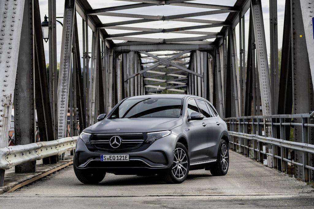 Bu görsel boş bir alt niteliğe sahip; dosya adı Yeni-Mercedes-Benz-EQC-1024x683.jpg