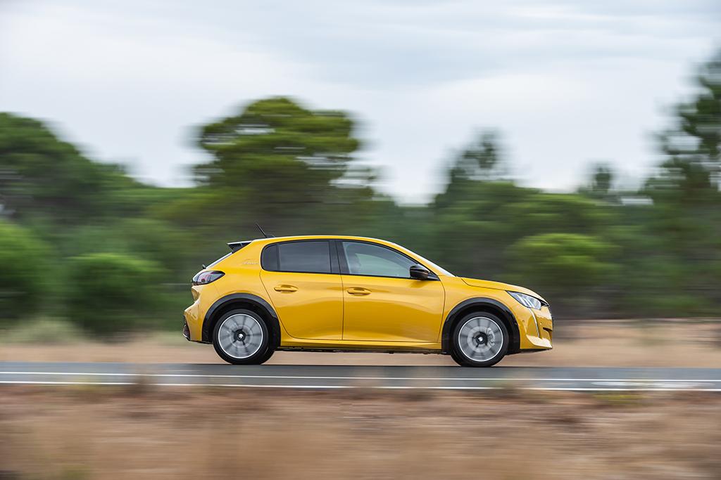 Bu görsel boş bir alt niteliğe sahip; dosya adı Yeni-Peugeot-208-tanitildi-2.jpeg